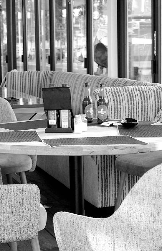 Restaurante con terraza climatizada