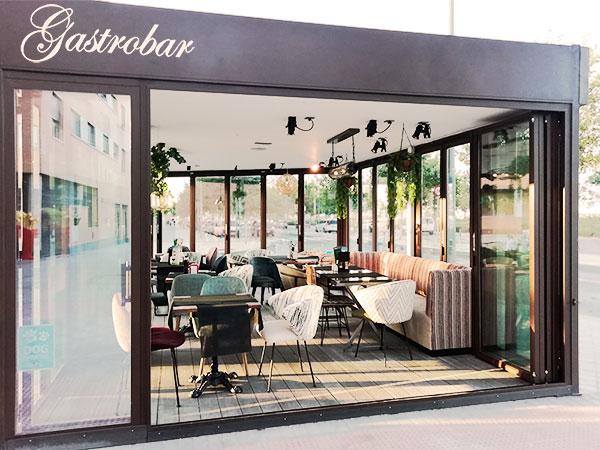 Restaurante con terraza cubierta en Rivas